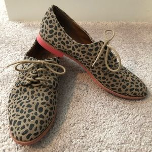 DV by DOLCE VITA Leopard Oxfords